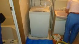 洗濯槽の中はカビなど汚れがいっぱい!